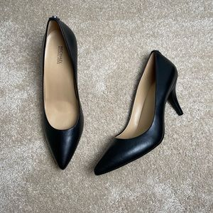 Michael Kors NWOT Black Pointed Toe Heels 9 1/2